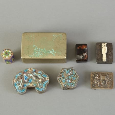 Lot 115: Group of 7 Chinese Enameled Pill or Snuff Boxes Some Silver Fine and Decorative Arts of the Globe - Jan 19 2019 Art of World
