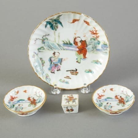 Lot 141: Grp 4: 19th c. Chinese Famille Rose Porcelain Plates Pill Box Fine and Decorative Arts of the Globe - Jan 19 2019 Art of World
