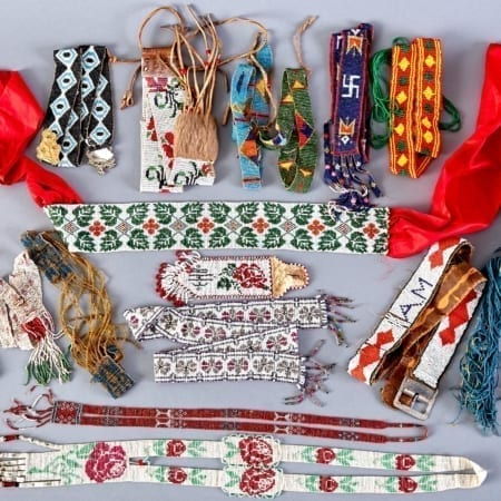 Lot 226: Group of 16 Native American Beaded Necklaces Belts and Sashes 20th c. Fine and Decorative Arts of the Globe - Jan 19 2019 Art of World