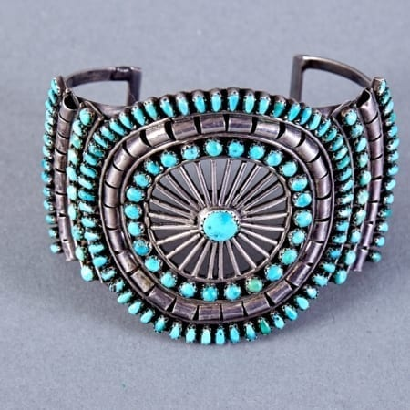 Lot 342: Zuni Sterling and Turquoise Petit Point Bracelet Fine and Decorative Arts of the Globe - Jan 19 2019 Art of World