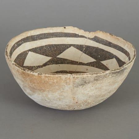 Lot 184: Pre-Columbian Ceramic Anasazi Bowl Fine and Decorative Arts of the Globe - Jan 19 2019 Asian Art