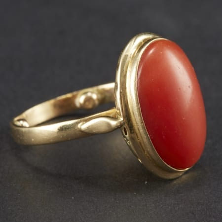 Lot 025: Gold and Coral Ring Asian Art and Decorative Art (Day Two) - Sep 29 2018 Asian Art