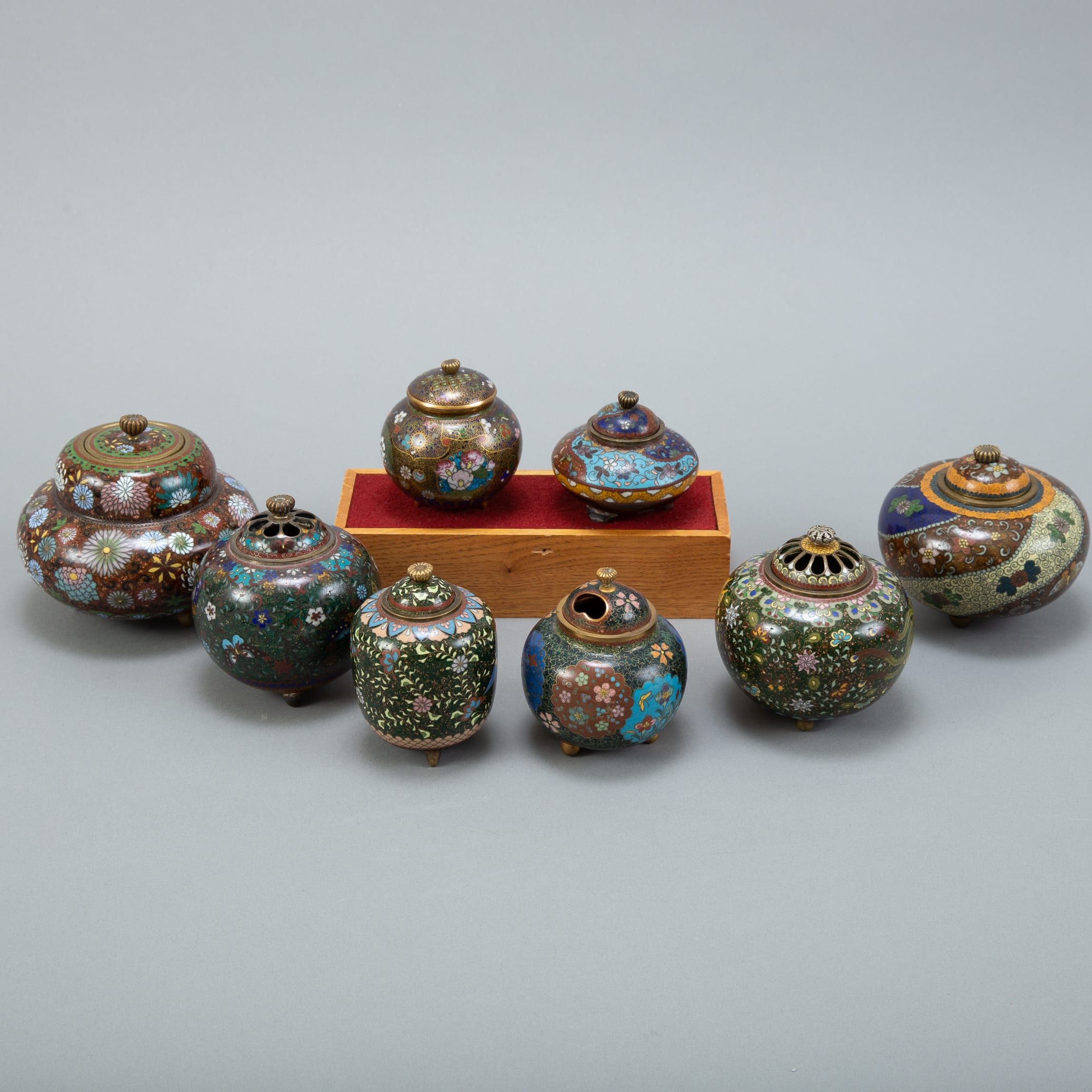 Lot 023: Grp: 8 Japanese Meiji Cloisonne Censers