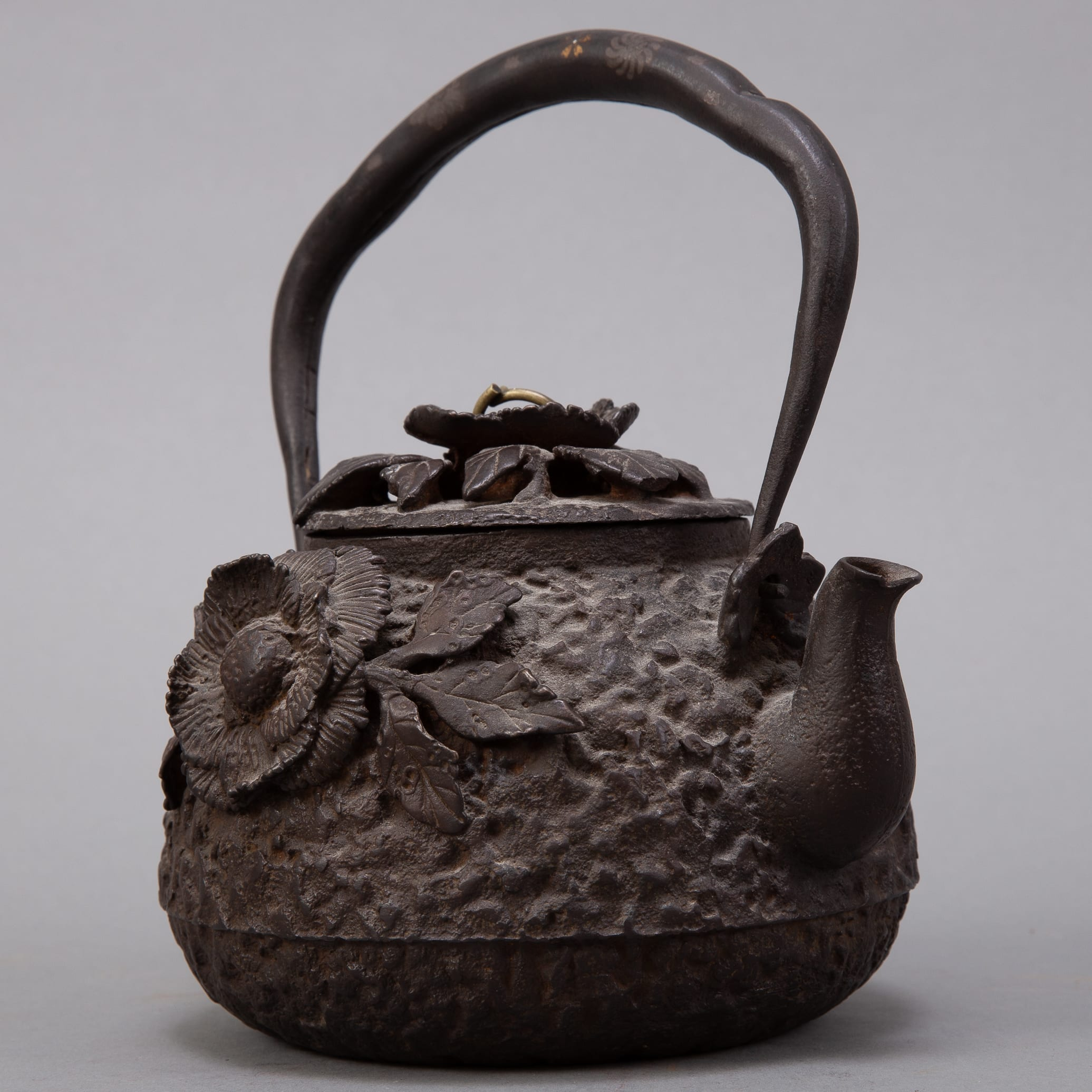 Lot 005: Japanese Meiji  Iron Kettle with Silver and Gold Inlay