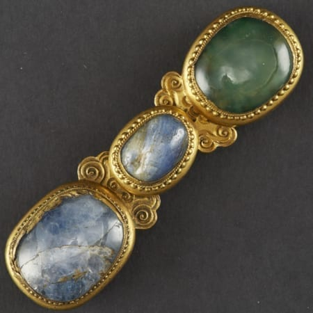Lot 026: Chinese Gilt Bronze Sapphire and Glass Buckle – 18th century Asian Art and Decorative Art (Day Two) - Sep 29 2018 Asian Art