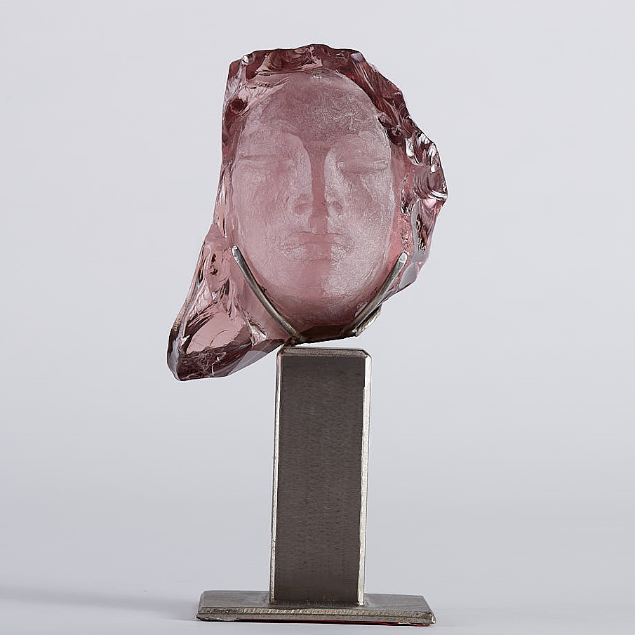 Lot 032: Suzanne Pascal Art Glass Head